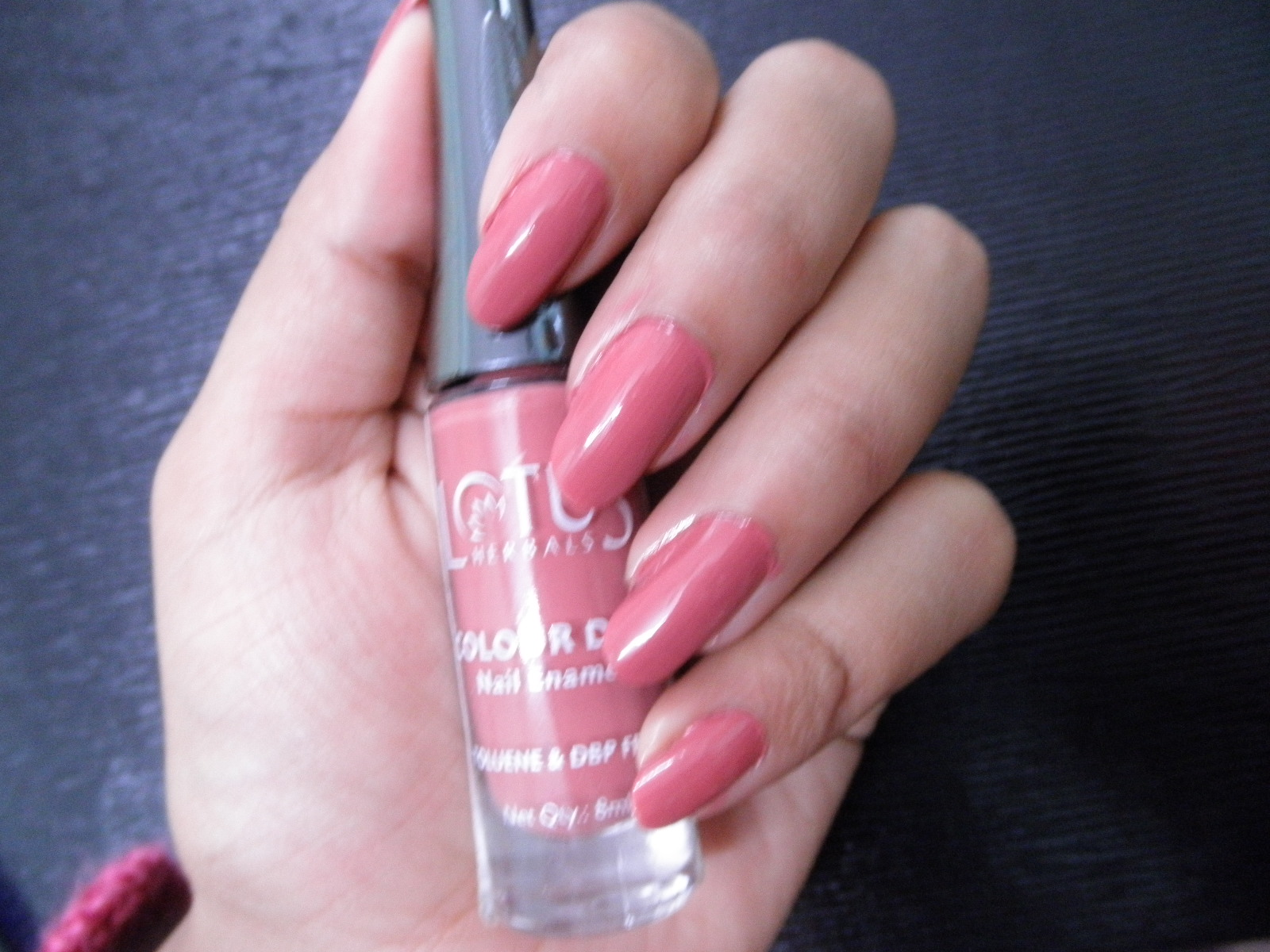 bac5afdcb Lotus Herbals COLOUR DEW nail enamel (92) Candy Drop   Review