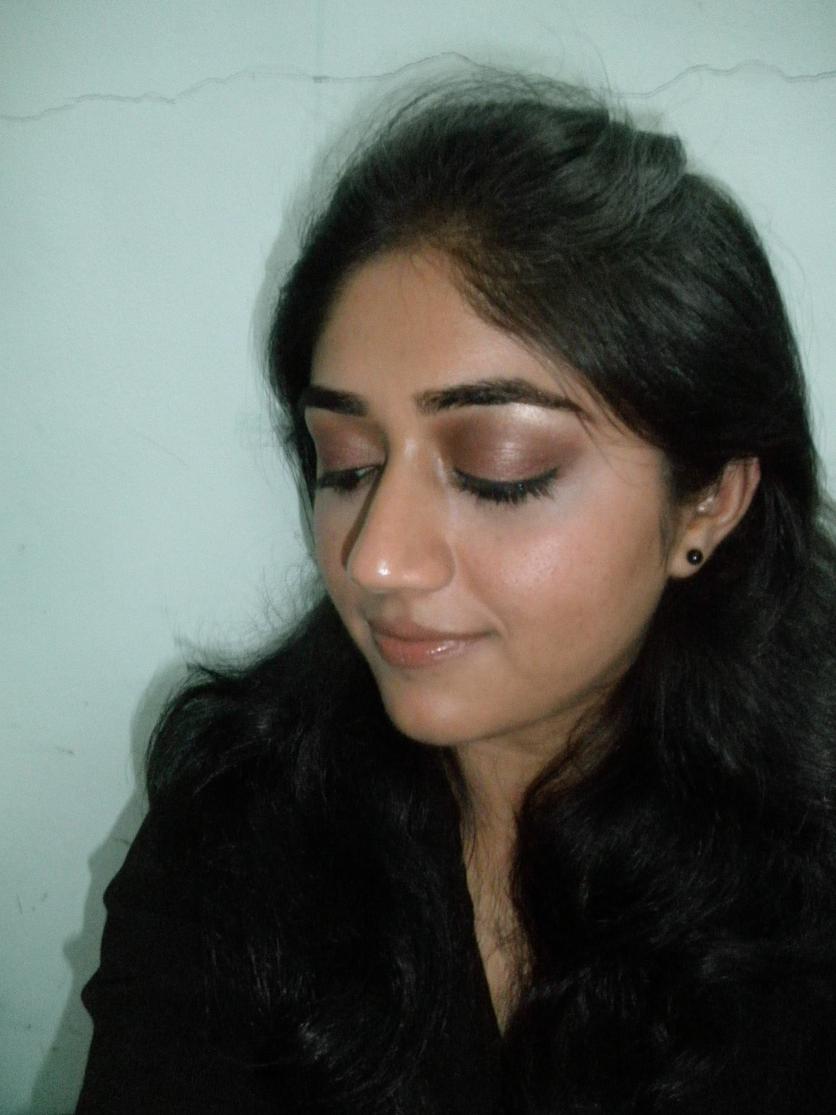 Copper brown eye makeup with nude lips