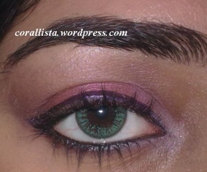 Pink eye makeup for
